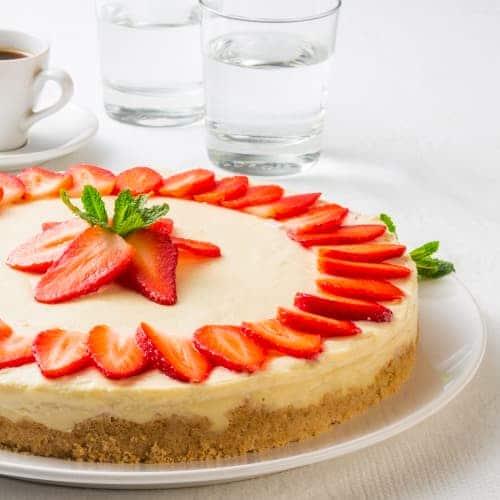 Vanilkový Cheesecake s jahodami